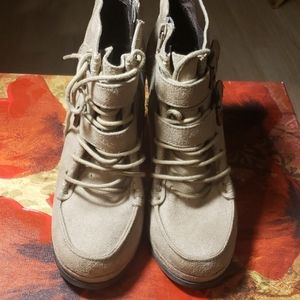 Mossimo boots.